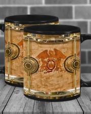 qu-drump-dvhd-pml Mug ceramic-mug-lifestyle-14
