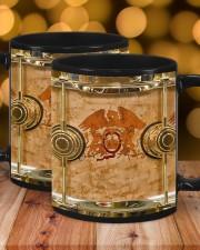 qu-drump-dvhd-pml Mug ceramic-mug-lifestyle-17