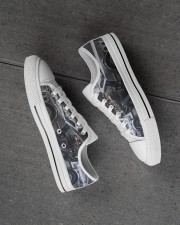 Delor future shoe dvhd-pml Men's Low Top White Shoes aos-complex-men-white-high-low-shoes-lifestyle-inside-left-outside-left-01