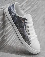 Delor future shoe dvhd-pml Men's Low Top White Shoes aos-complex-men-white-high-low-shoes-lifestyle-outside-right-05