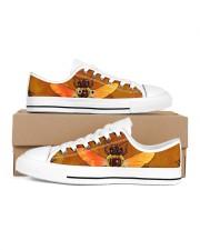 Hippie 2 Women's Low Top White Shoes thumbnail