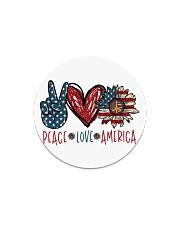 Peace love america Circle Magnet thumbnail