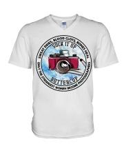 photographer V-Neck T-Shirt tile