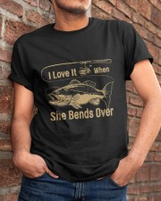 I love it when she bends over Classic T-Shirt apparel-classic-tshirt-lifestyle-26