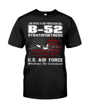 B-52 STRATOFORTRESS-STRATEGIC AIR COMMAND Classic T-Shirt front