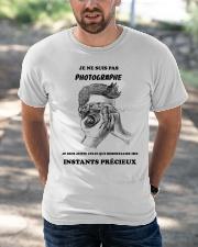 JE NE SUIS PAS PHOTOGRAPHE Classic T-Shirt apparel-classic-tshirt-lifestyle-front-50