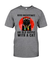 Cat And Hippie - Never Underestimate An Old Hippie Classic T-Shirt front