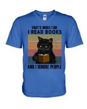 Black Cat I Read Book V-Neck T-Shirt thumbnail