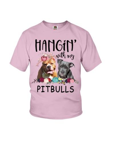 Pitbull Hanging