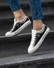 RBG Women's Low Top White Shoes aos-complex-women-white-low-shoes-lifestyle-06