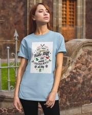 20 Classic T-Shirt apparel-classic-tshirt-lifestyle-06