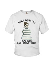 I Read Books Youth T-Shirt thumbnail