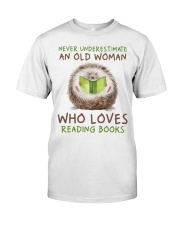 Who Loves Reading Books Classic T-Shirt front