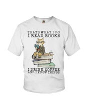 I Read Books Youth T-Shirt thumbnail
