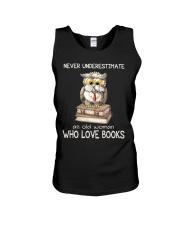 An Old Woman Who Love Books Unisex Tank thumbnail