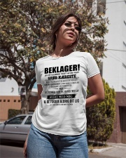 Den perfekte gave til kæresten Ladies T-Shirt apparel-ladies-t-shirt-lifestyle-02