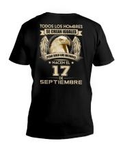 PERO SOLO LOS MEJORES NACEN EL 17 DE SEPTIEMBRE V-Neck T-Shirt thumbnail