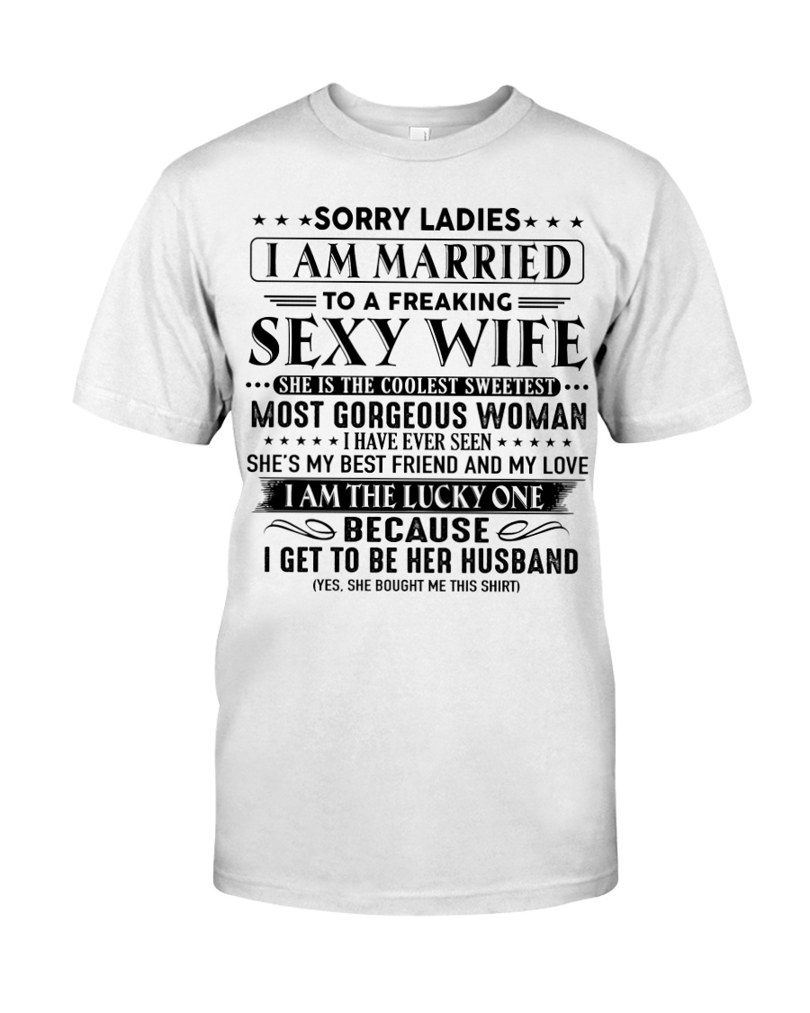 I am married to an awesome wife gift for husband Classic T-Shirt