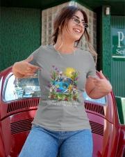 Berger Blanc Suisse Love Ladies T-Shirt apparel-ladies-t-shirt-lifestyle-01