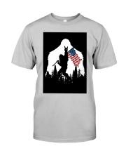Bigfoot Ammerican flag Classic T-Shirt thumbnail