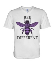 Bee different 04 V-Neck T-Shirt tile