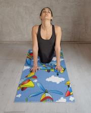 Gaiam Kids Yoga Mat 24x70 (vertical) aos-yoga-mat-lifestyle-17