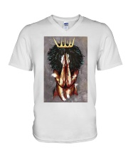 Praying Queen V-Neck T-Shirt tile