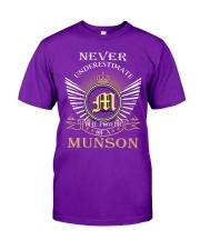 Never Underestimate MUNSON - Name Shirts Classic T-Shirt thumbnail