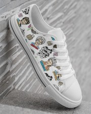 Golden Girls Shoes Men's Low Top White Shoes aos-complex-men-white-high-low-shoes-lifestyle-outside-right-05