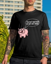 Grill master you dont need teeth to eat my meat 2 Classic T-Shirt lifestyle-mens-crewneck-front-8