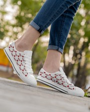 Chilling at Home Women's Low Top White Shoes aos-complex-women-white-low-shoes-lifestyle-08