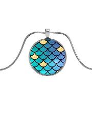 Mermaid Scales Metallic Circle Necklace thumbnail