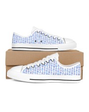 Veterinary Pattern Women's Low Top White Shoes tile
