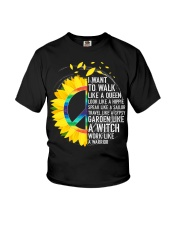 I want to walk like a queen Youth T-Shirt thumbnail