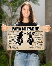 Para Mi Padre Hijo 17x11 Poster poster-landscape-17x11-lifestyle-19