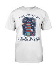 I READ BOOKS AND I KNOW THINGS Classic T-Shirt tile
