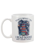 I READ BOOKS AND I KNOW THINGS V5 Mug back
