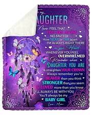 Never Feel That U Are Alone Mom To Daughter Sherpa Fleece Blanket tile