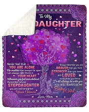 Never Feel That U Are Alone Mom To Stepdaughter Sherpa Fleece Blanket tile