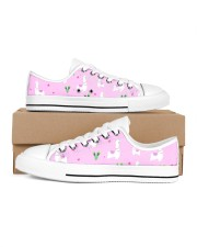 pinky alpaca Women's Low Top White Shoes tile