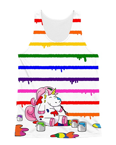 Unicorn draws rainbow