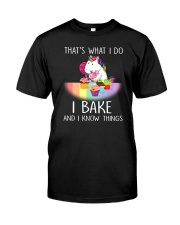 Unicorn and bake Classic T-Shirt front