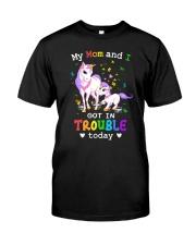 Unicorn mom and I 2409 Classic T-Shirt front