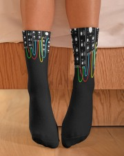 Synthesizer Modular Crew Length Socks aos-accessory-crew-length-socks-lifestyle-front-02