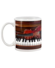 Violin with piano Mug back