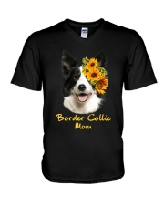 Border Collie Mom V-Neck T-Shirt thumbnail
