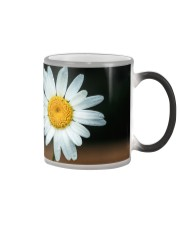 Cream with Daisy Leaves Color Changing Mug color-changing-right