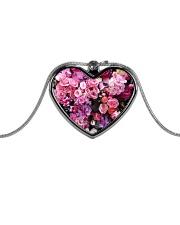 Extra dose of feminine fart - Full coverage  Metallic Heart Necklace thumbnail