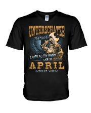 Mann Der im April Geboren Wurde V-Neck T-Shirt thumbnail