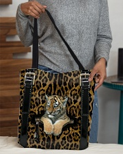 Tiger - Leopard - Zip Pocket All-over Tote aos-all-over-tote-lifestyle-front-10